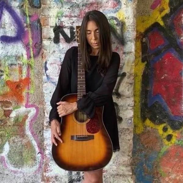 La cantautrice Patrizia Cirulli